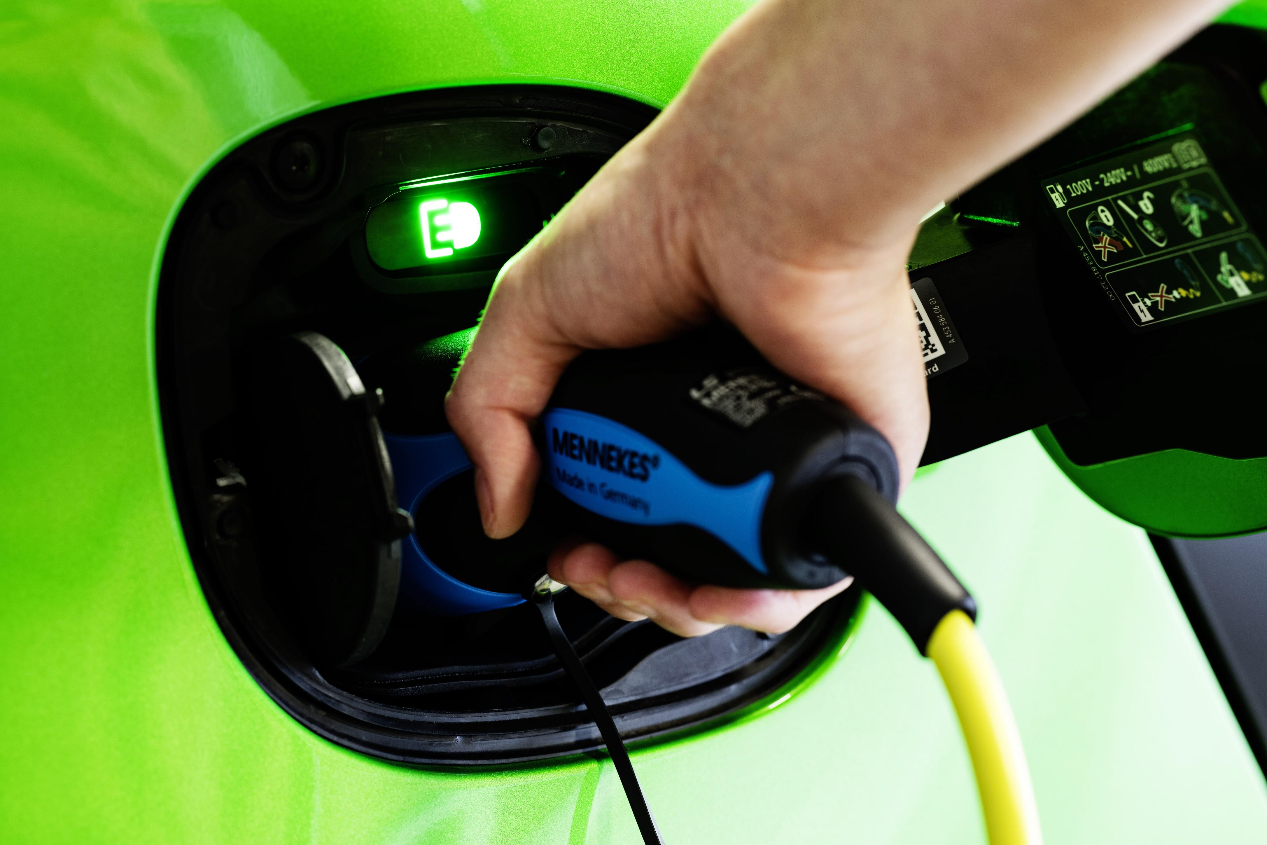 Carros elétricos acima de 60.000€ perdem apoio estatal