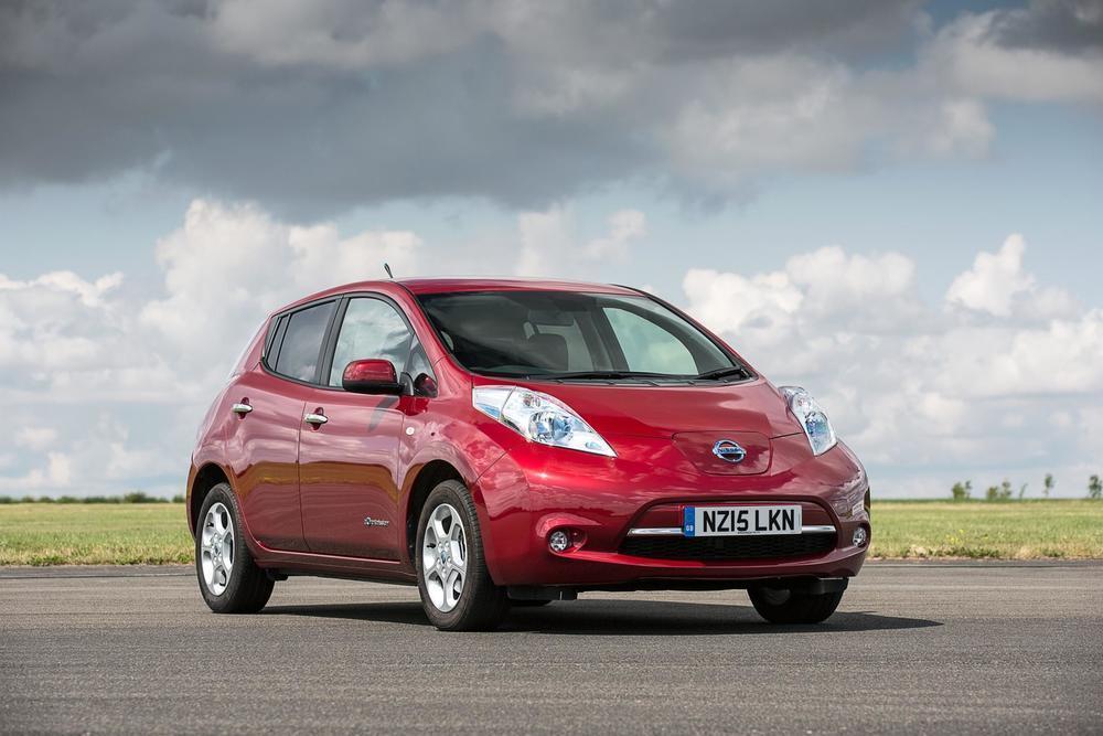 2011–Nissan-Leaf