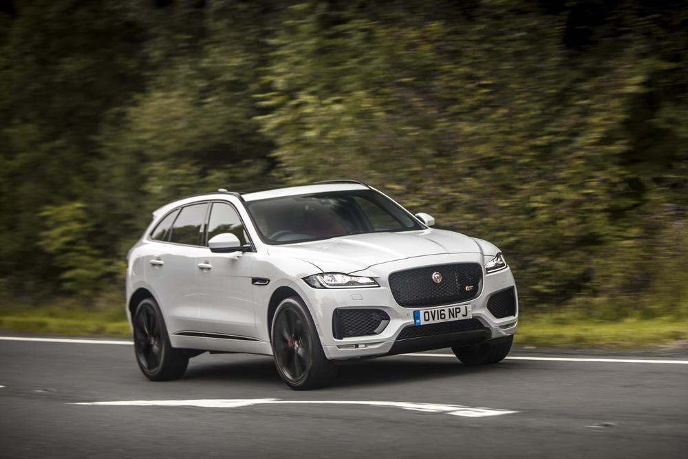 2017–Jaguar-F-Pace