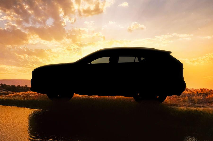 Novo Toyota RAV4 será apresentado em Abril e contará com 2 versões híbridas