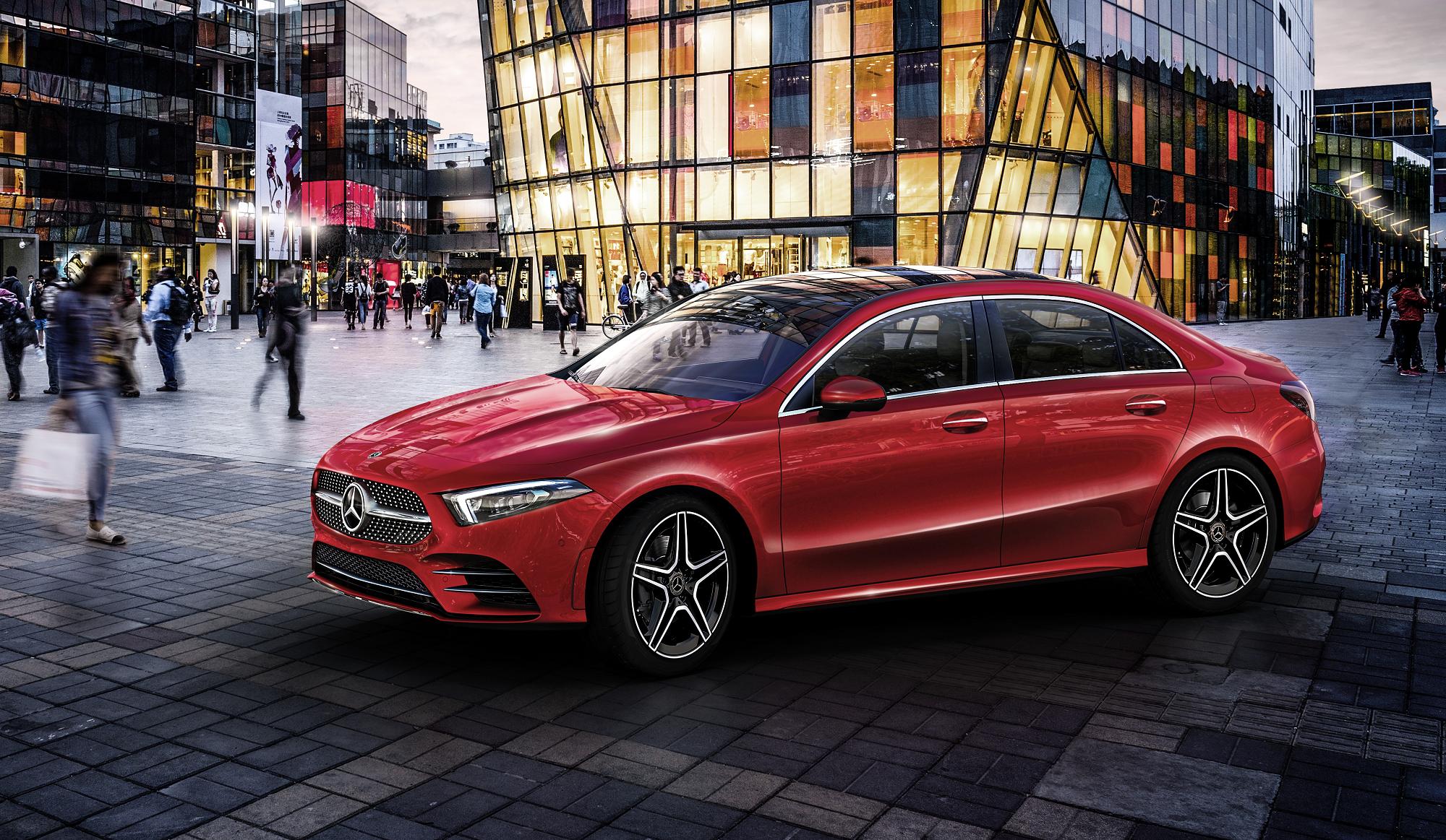 Mercedes-Benz apresenta novo Classe A L Limousine