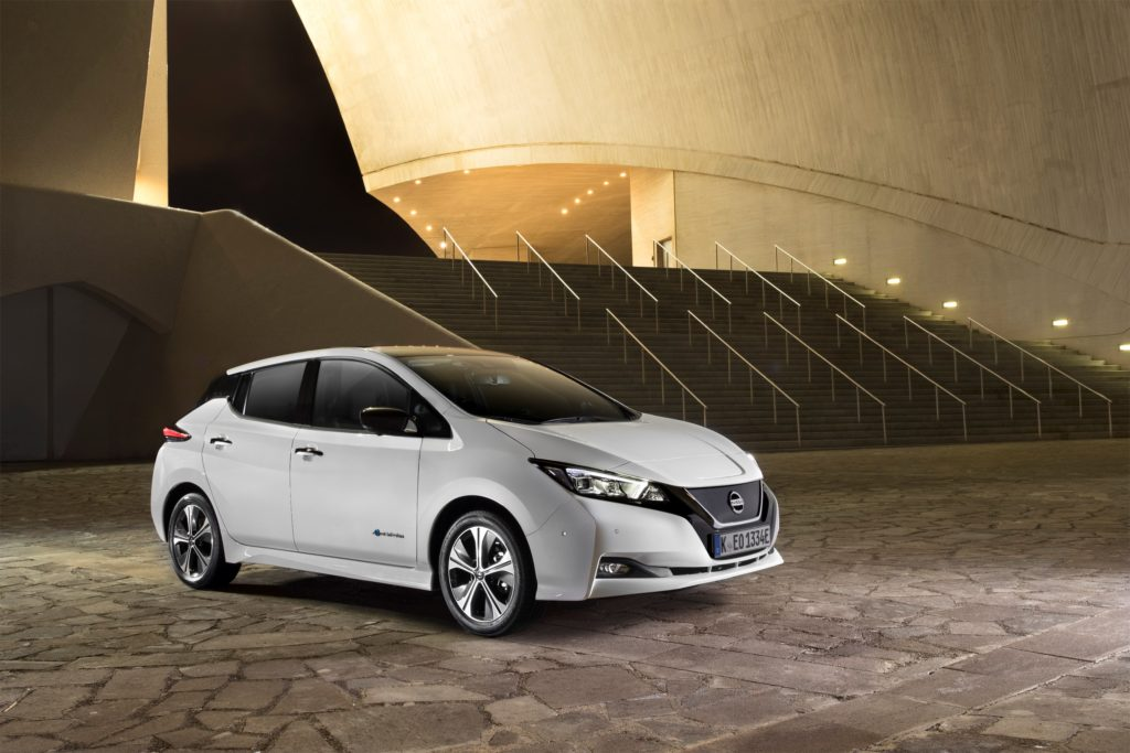 426214105_The new Nissan LEAF_ the world's best-selling zero-emissions electric vehic