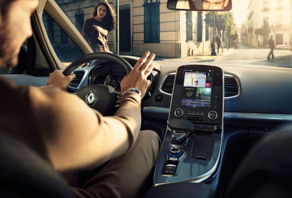 6. Conduzir com os joelhos (14%)