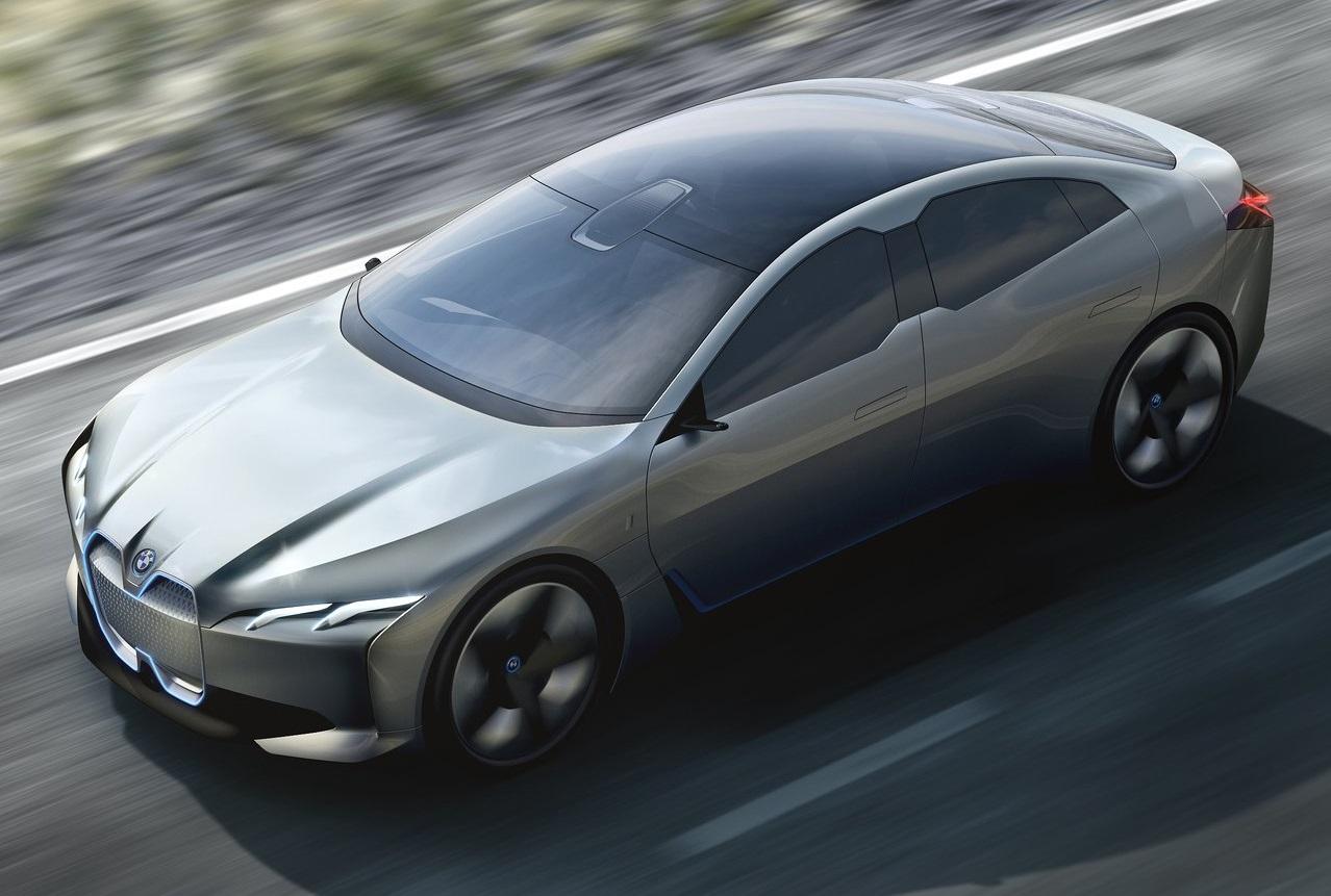Modelos BMW serão inteligentes, mas condução autónoma total está muito distante