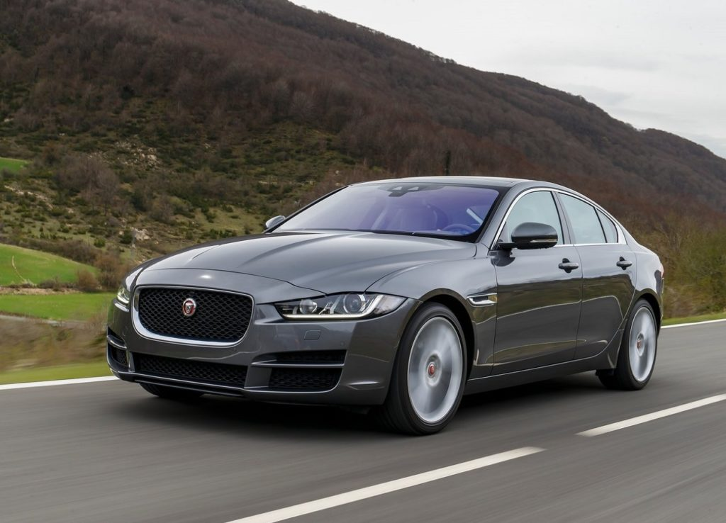 Jaguar-XE-2016