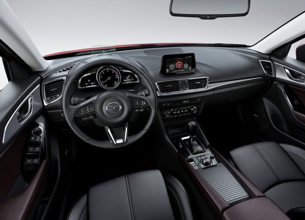 Mazda 3 Sedan 2017 (4)