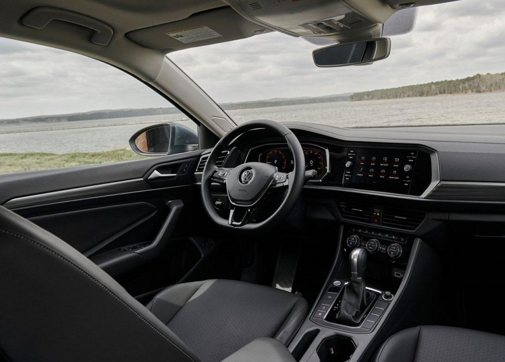 VW Jetta 2019 (2)