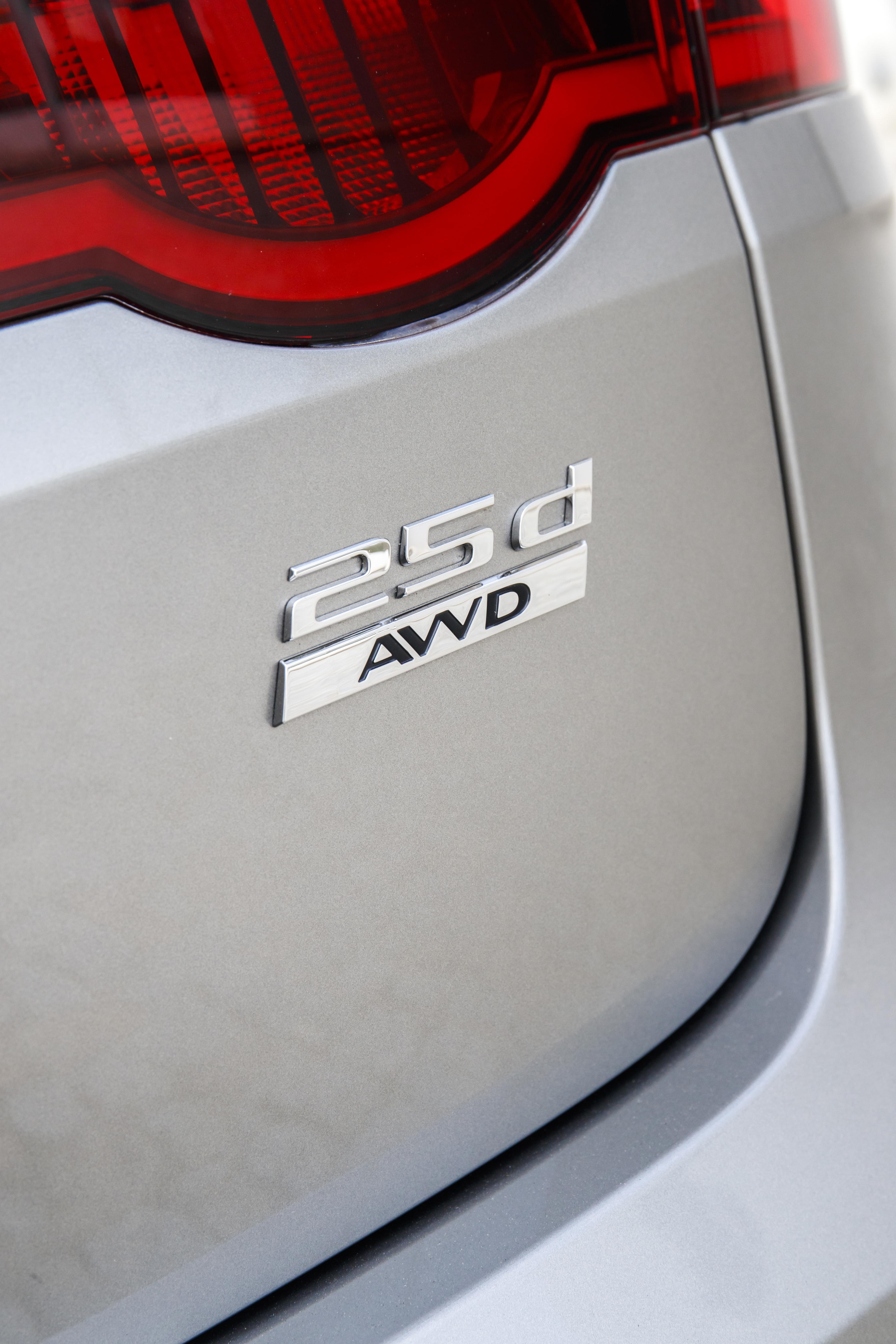 Jaguar XF Sportbrake 2.0 D AWD R-Sport – Ensaio   Automais 68c07a9d78