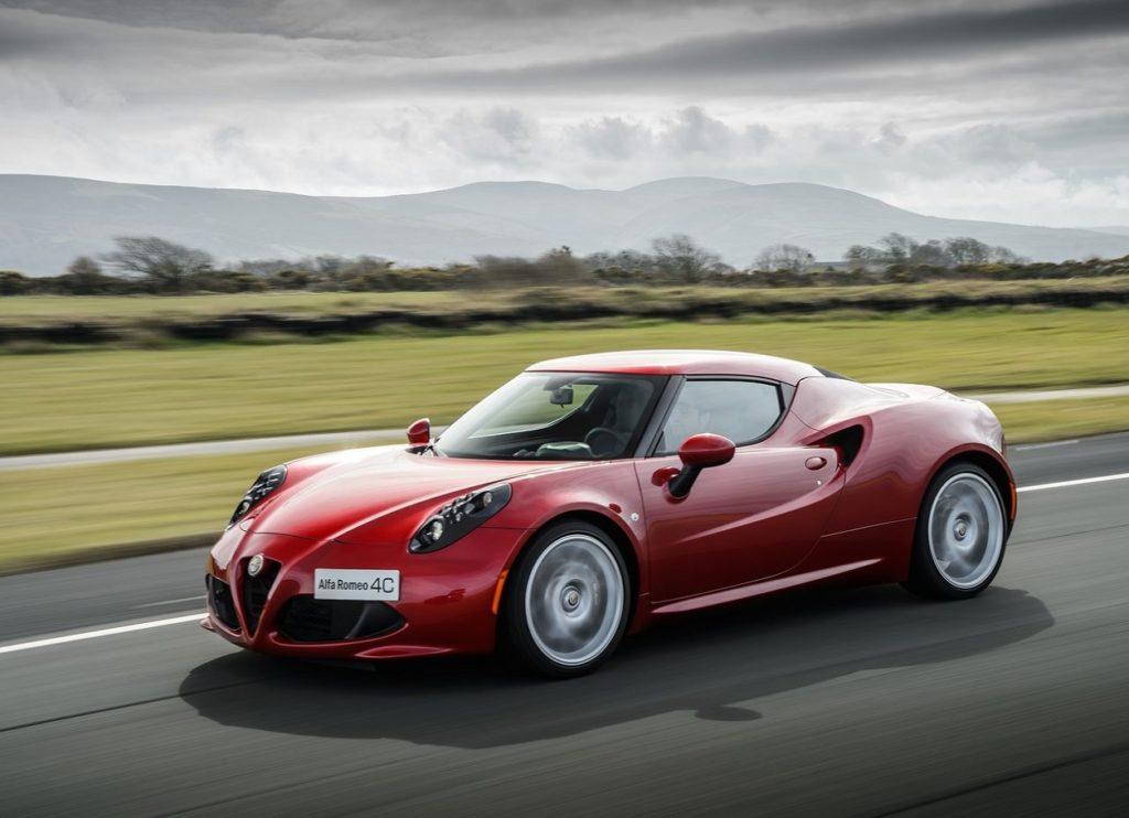 Alfa_Romeo-4C-2014