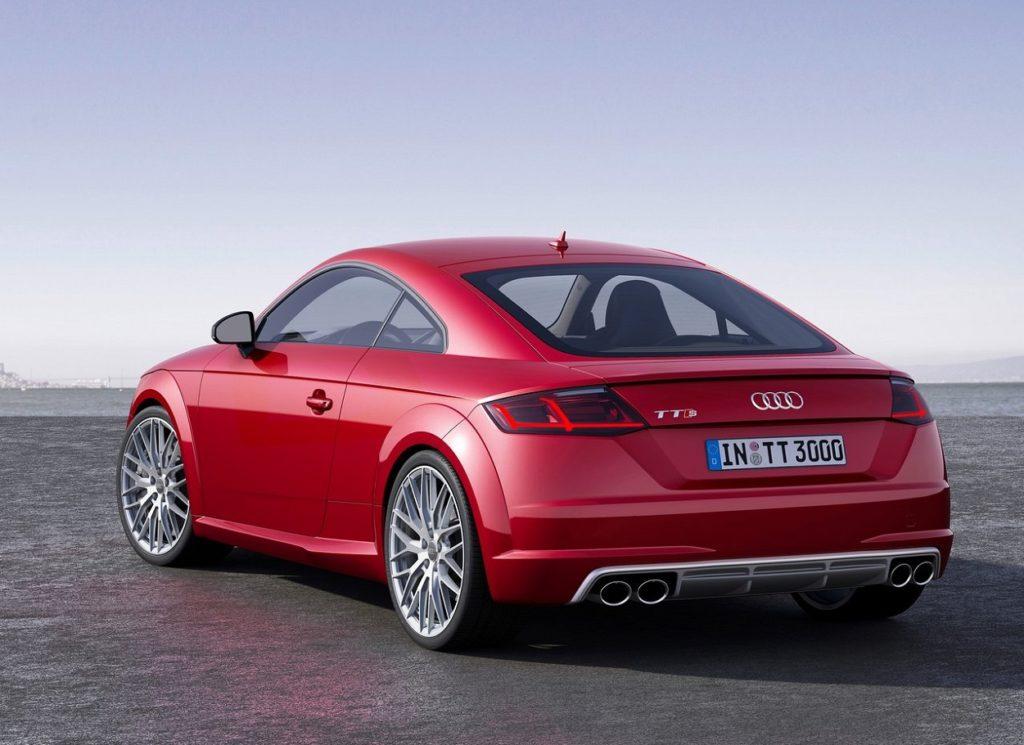 Audi TTS Coupé 2015 (1)