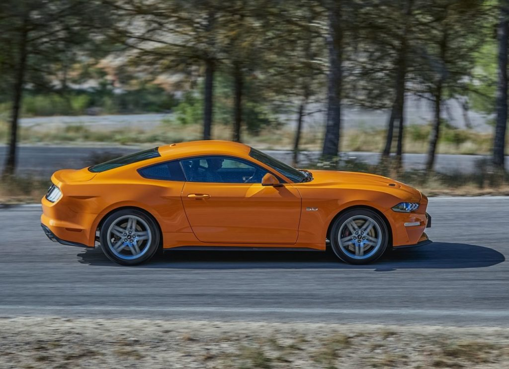 Ford Mustang 2016 (1)