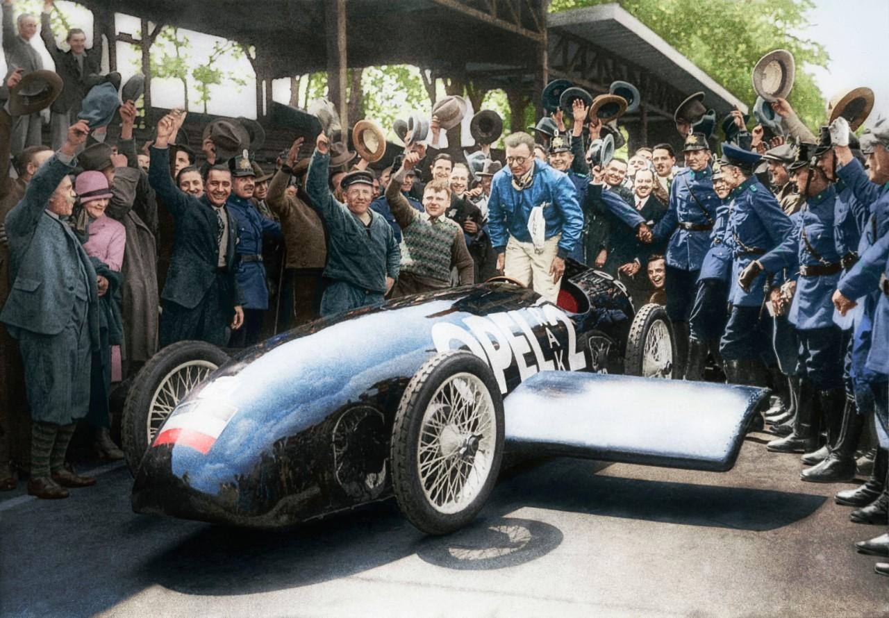 Há 90 anos a Opel utilizou foguetes para estabelecer recordes de velocidade