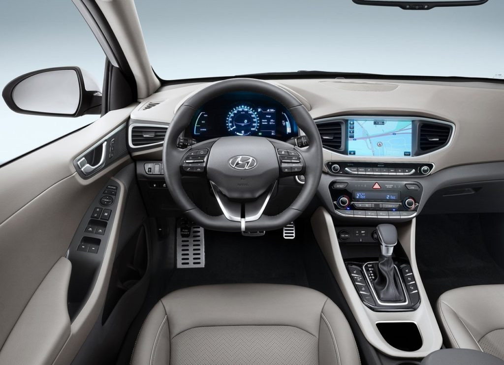 Hyundai Ioniq 2017 (1)
