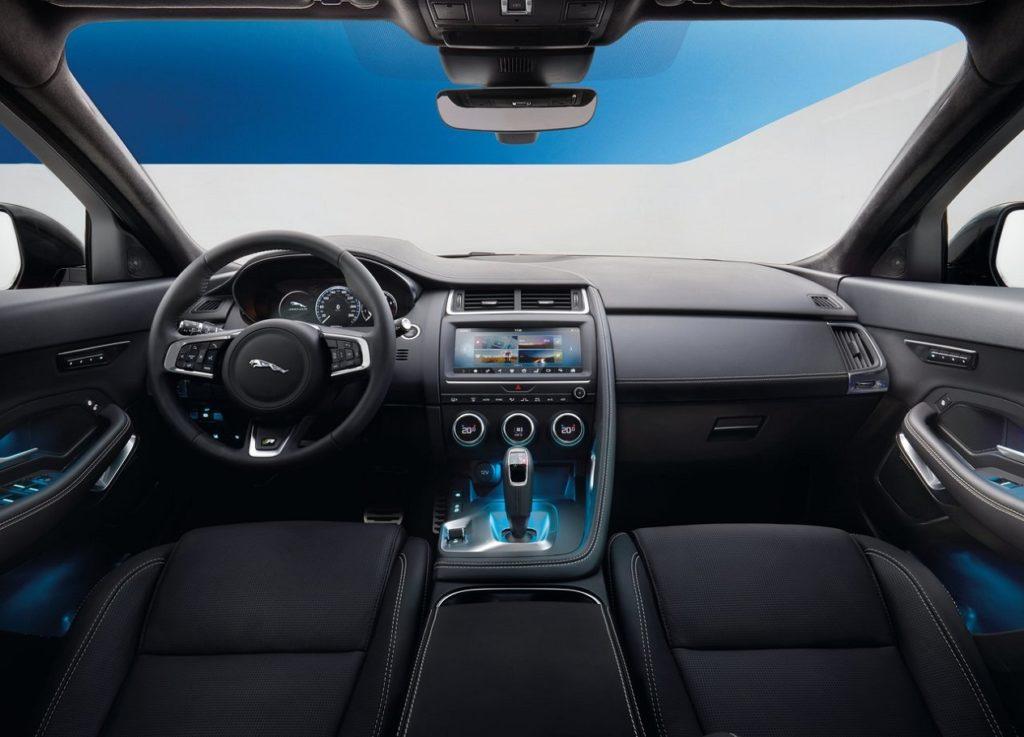 Jaguar E-Pace 2018 (1)