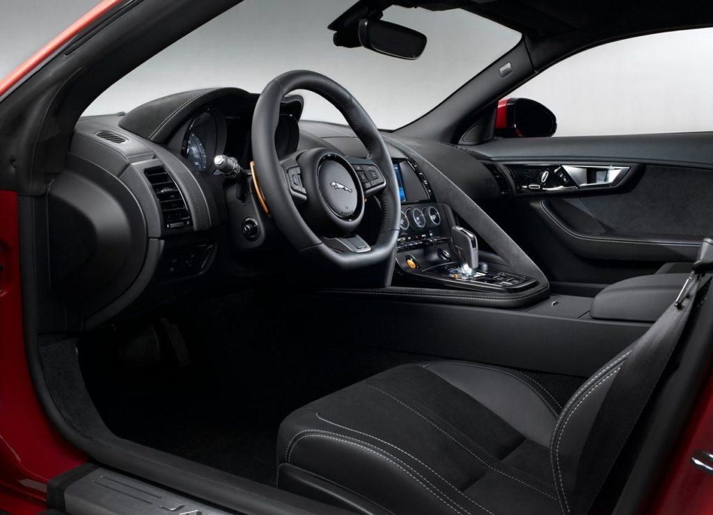Jaguar F-Type Coupé 2015 (4)
