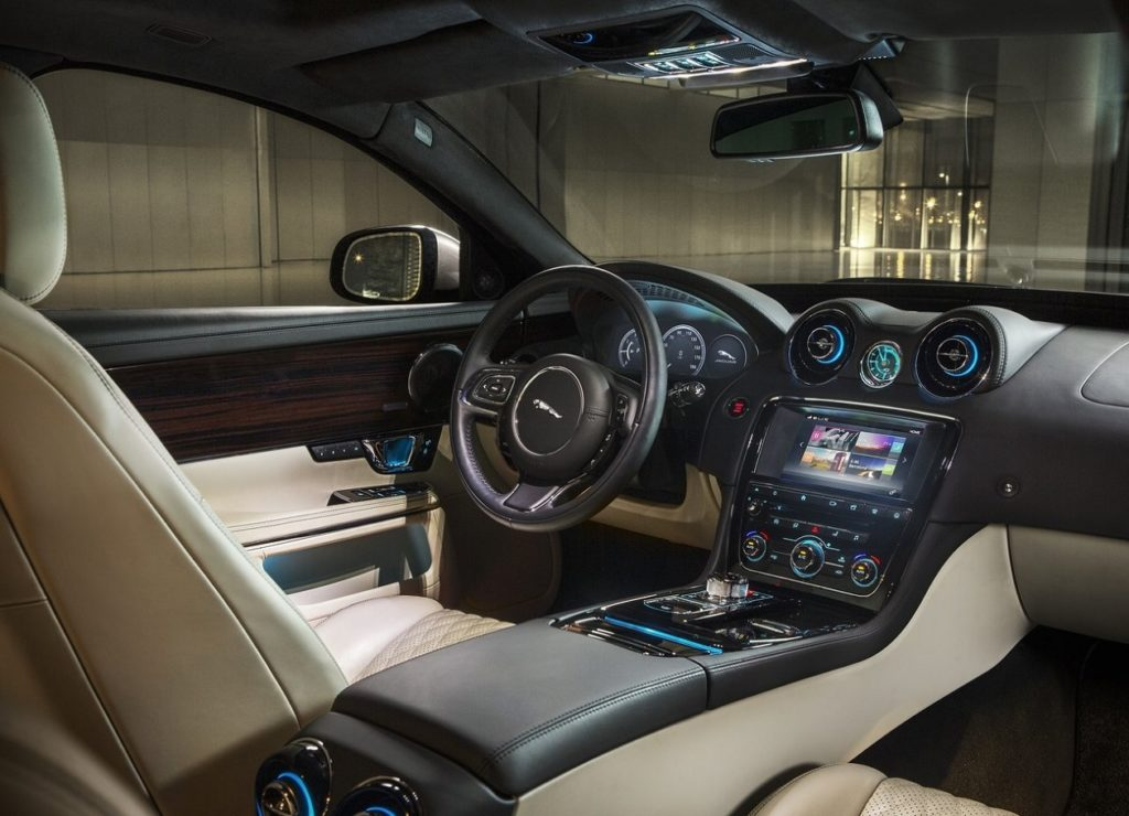 Jaguar XJ L 2016 (3)