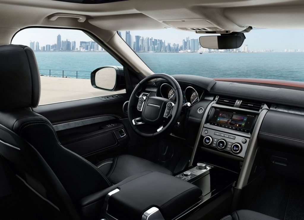 Land Rover Discovery 2017 (1)