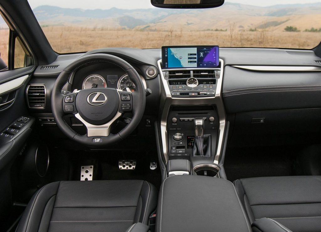 Lexus NX 2018 (1)