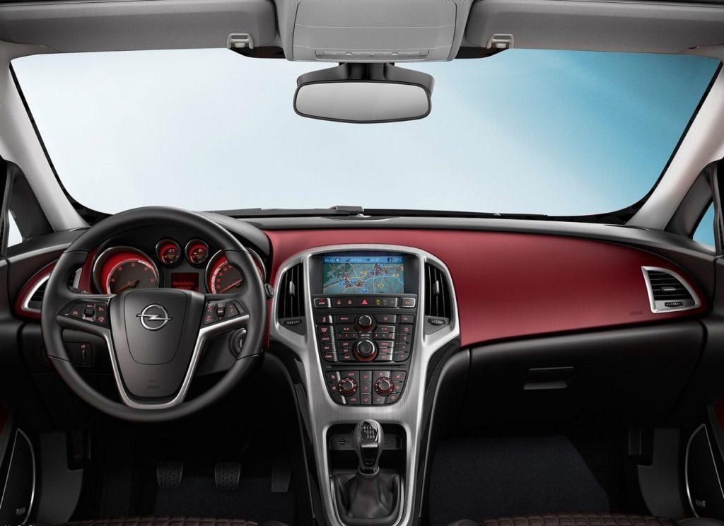 Opel Astra GTC 2012 (4)