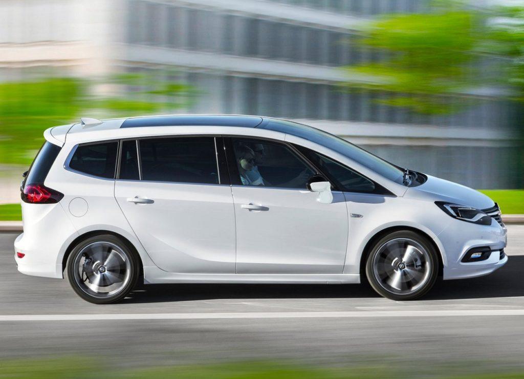 Opel Zafira 2017 (3)