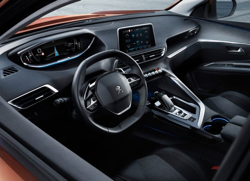 Peugeot 3008 2017 (1)