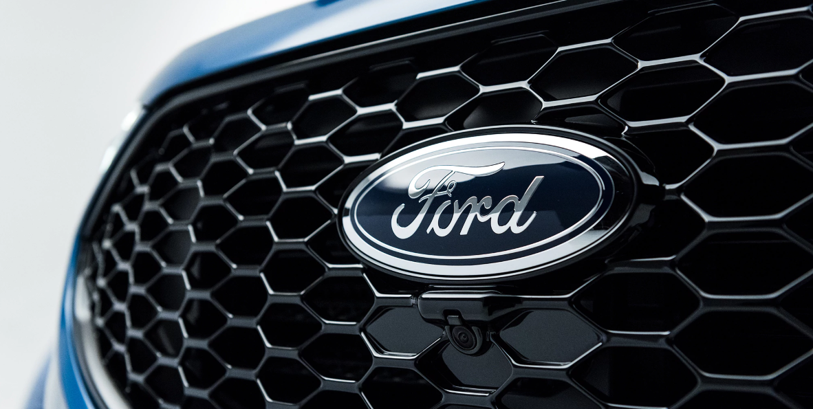 Ford inicia nova era com o crossover eléctrico Mach 1