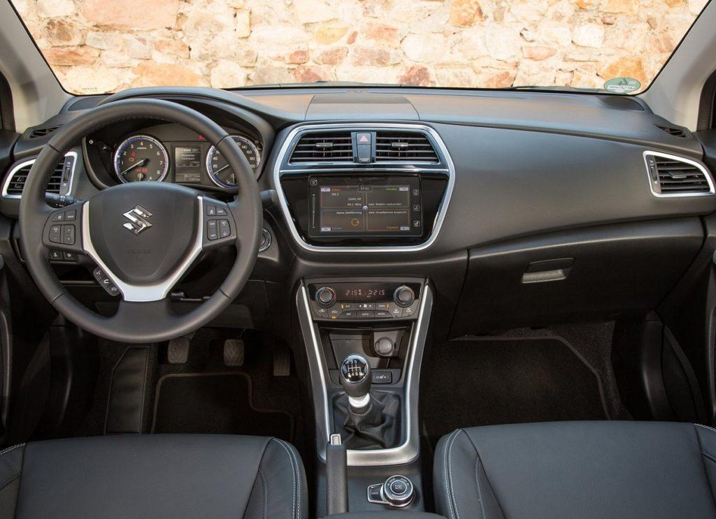 Suzuki SX4 S-Cross 2017 (4)