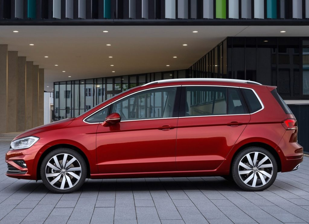 VW Golf Sportsvan 2018 (3)