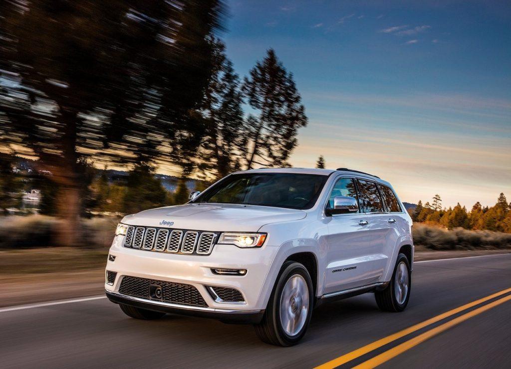 Jeep-Grand_Cherokee_Summit-2017