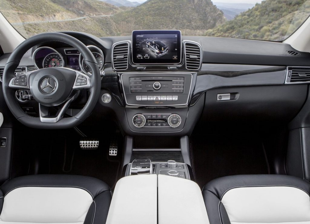 Mercedes-Benz GLE 2016 (1)