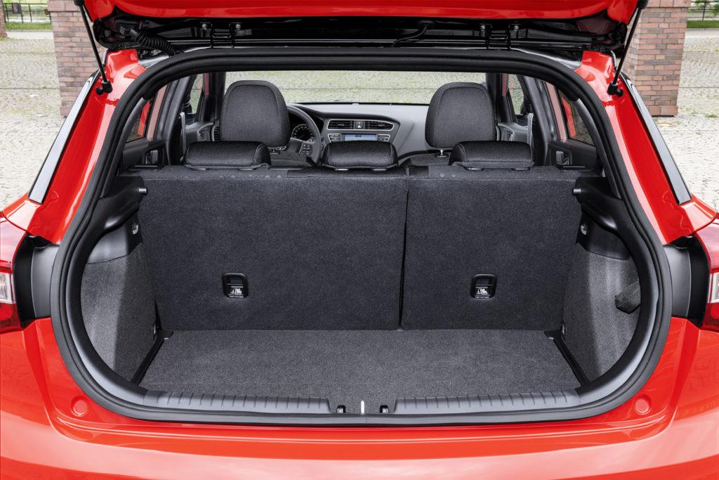 New Hyundai i20 Boot (1)
