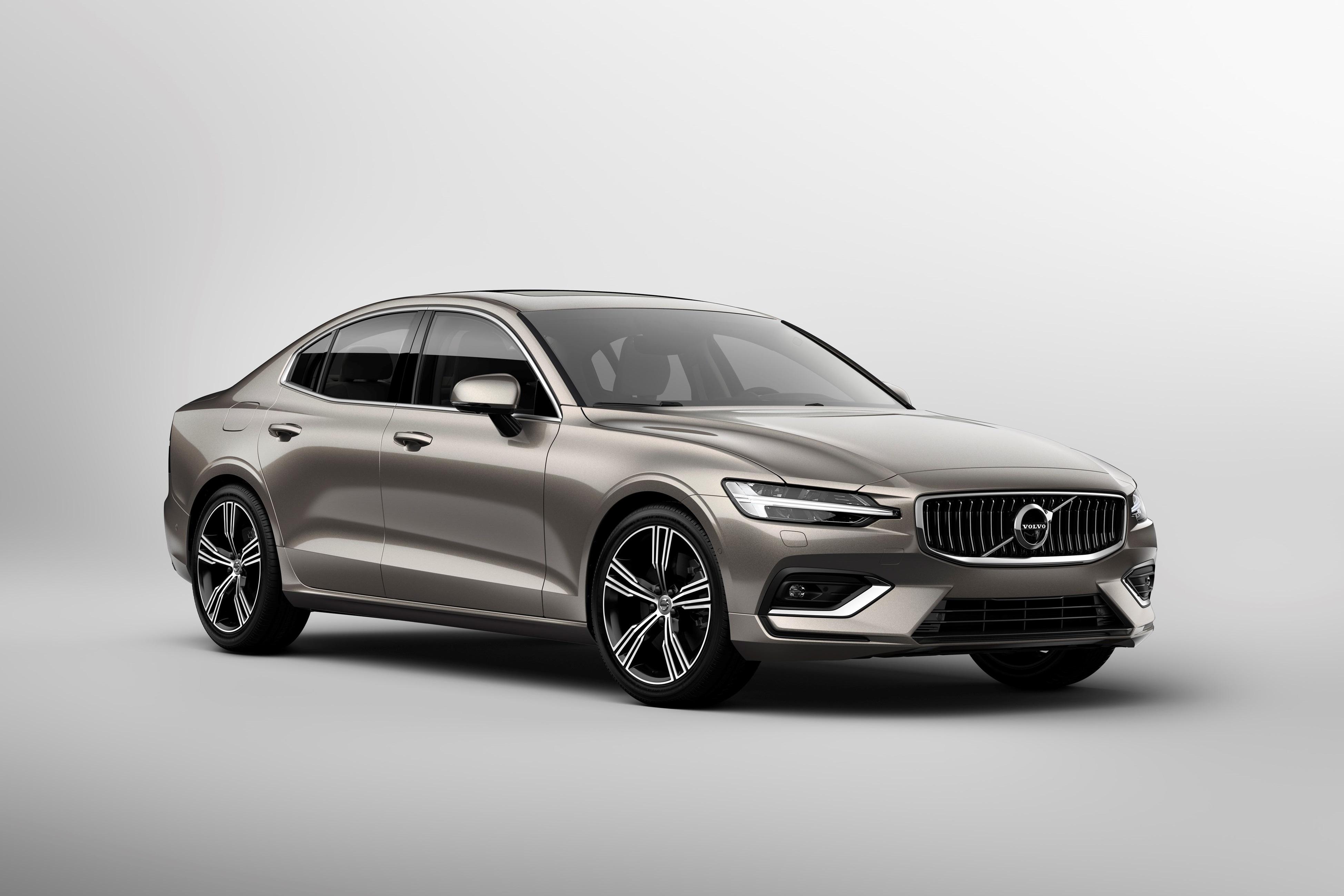 Volvo apresenta novo S60