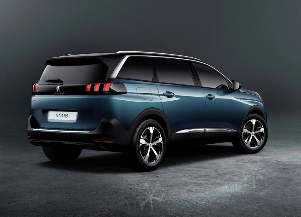 Peugeot 5008 2017 (1)