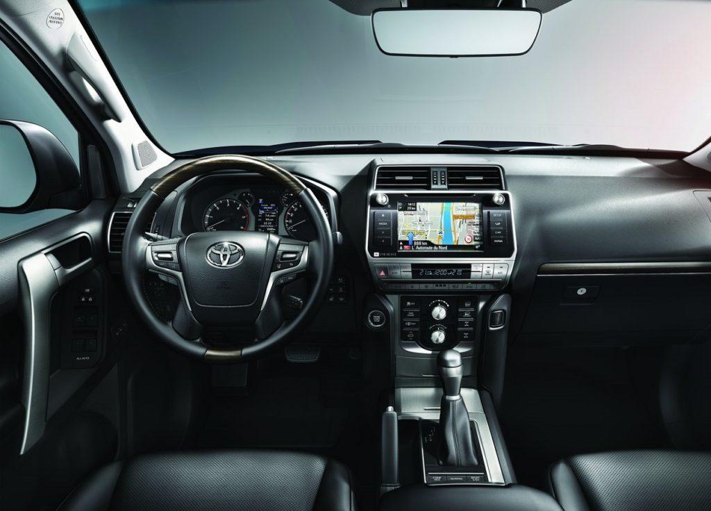 Toyota Land Cruiser 2018 (4)