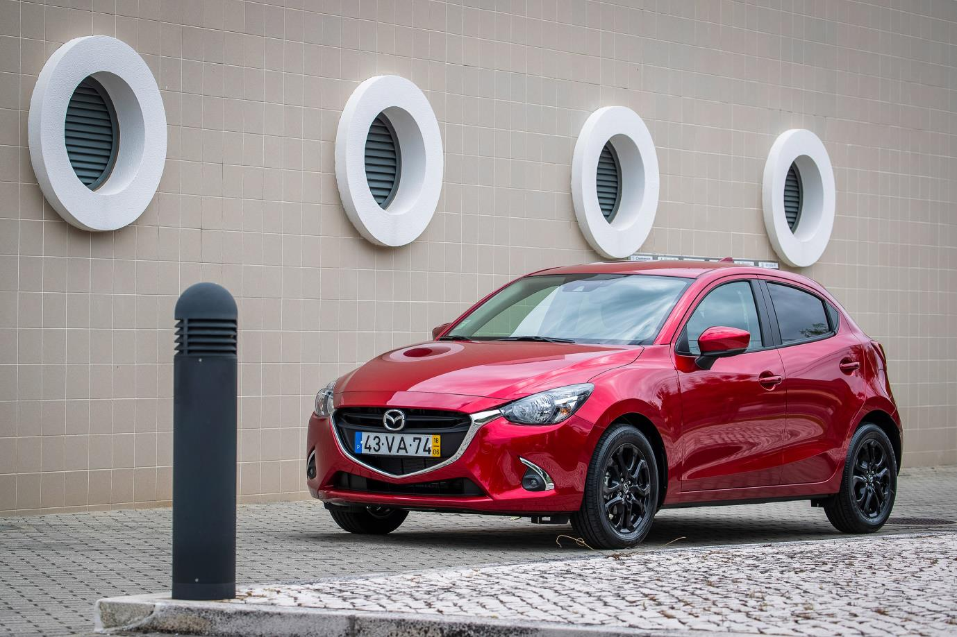 Mazda reforça catálogo nacional com Mazda2 Advance