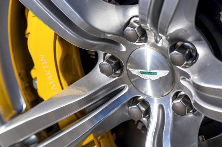Aston Martin Cygnet (6)