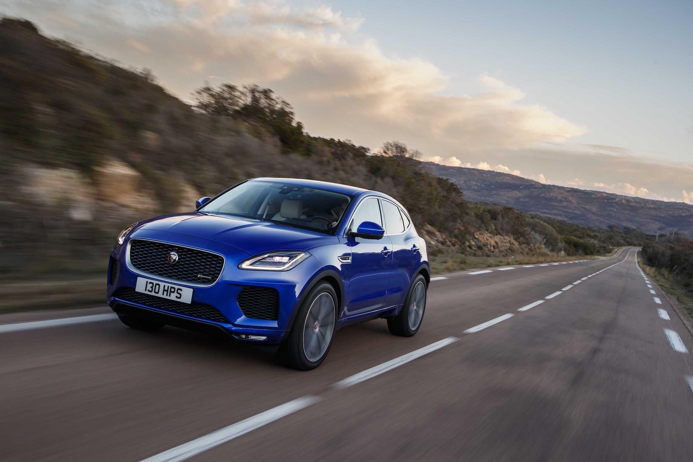 Jaguar E-Pace disponível com novo motor e inteligência artificial