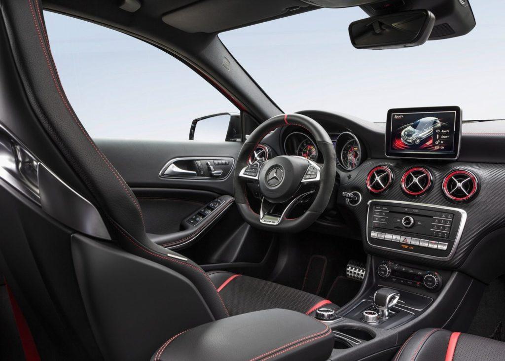 Mercedes-Benz A45 AMG 2016 (1)