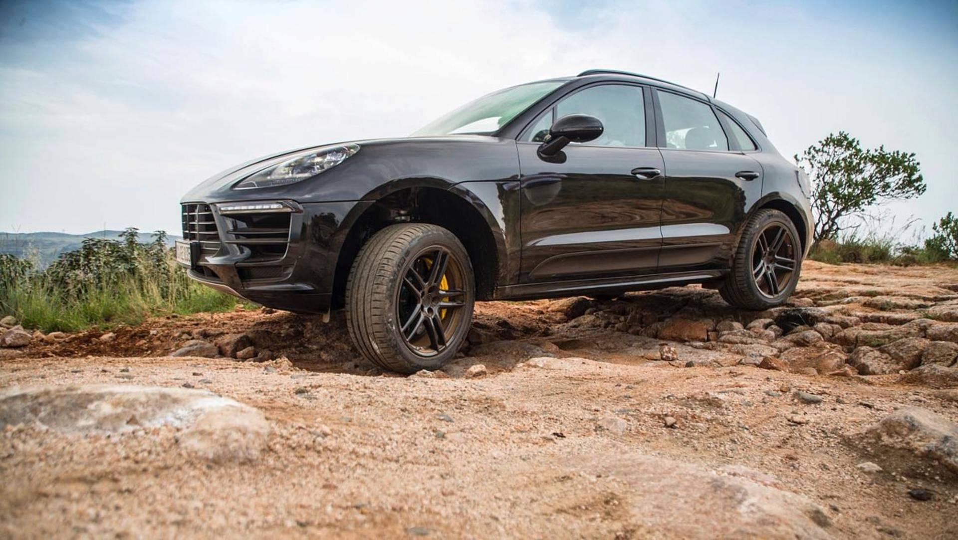 Porsche publica imagens e vídeo do novo Macan em testes na África do Sul