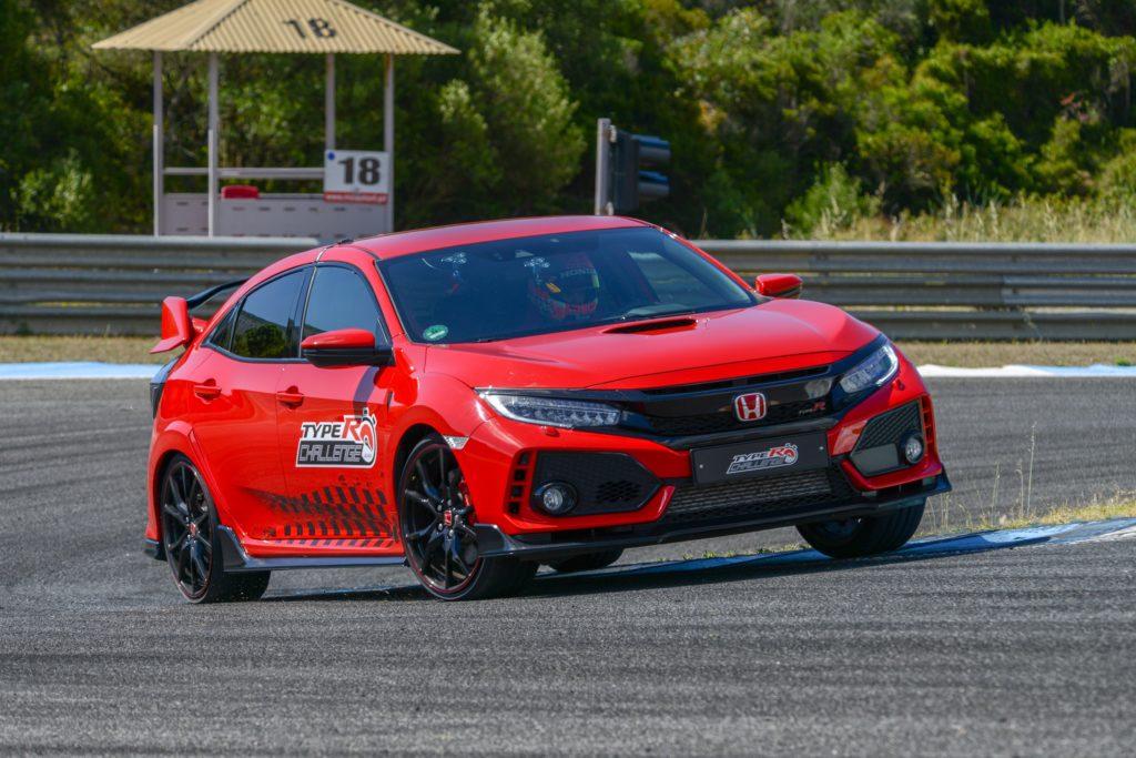 Type R Recorde Estoril Tiago Monteiro (2)