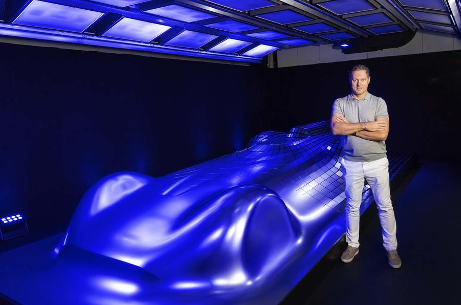Mercedes revela Electric Silver Arrow antes de Pebble Beach