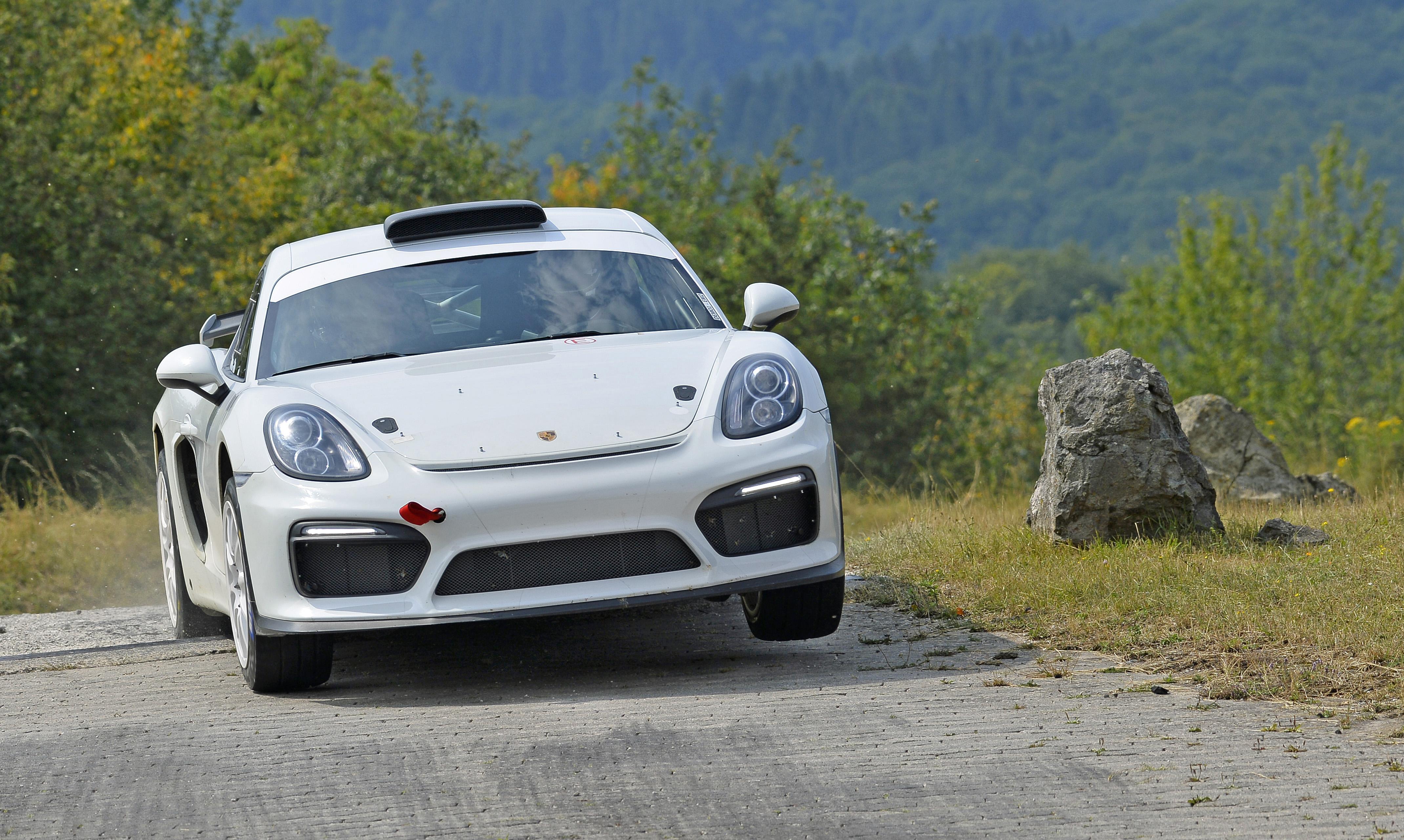 Porsche estreia novo Cayman GT4 Clubsport