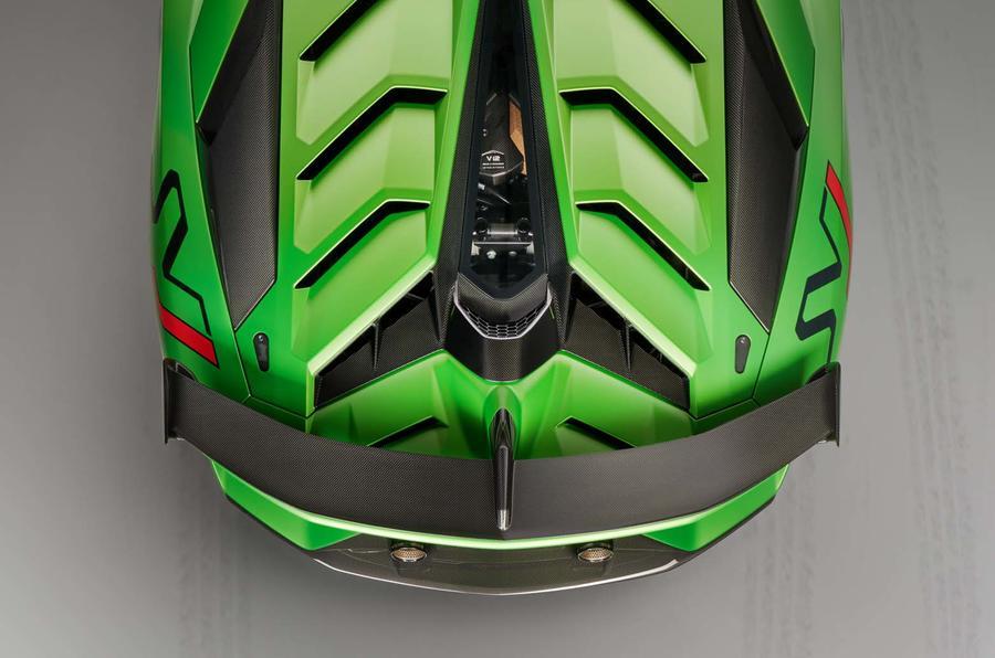lamborghini_svj_green_rear_top