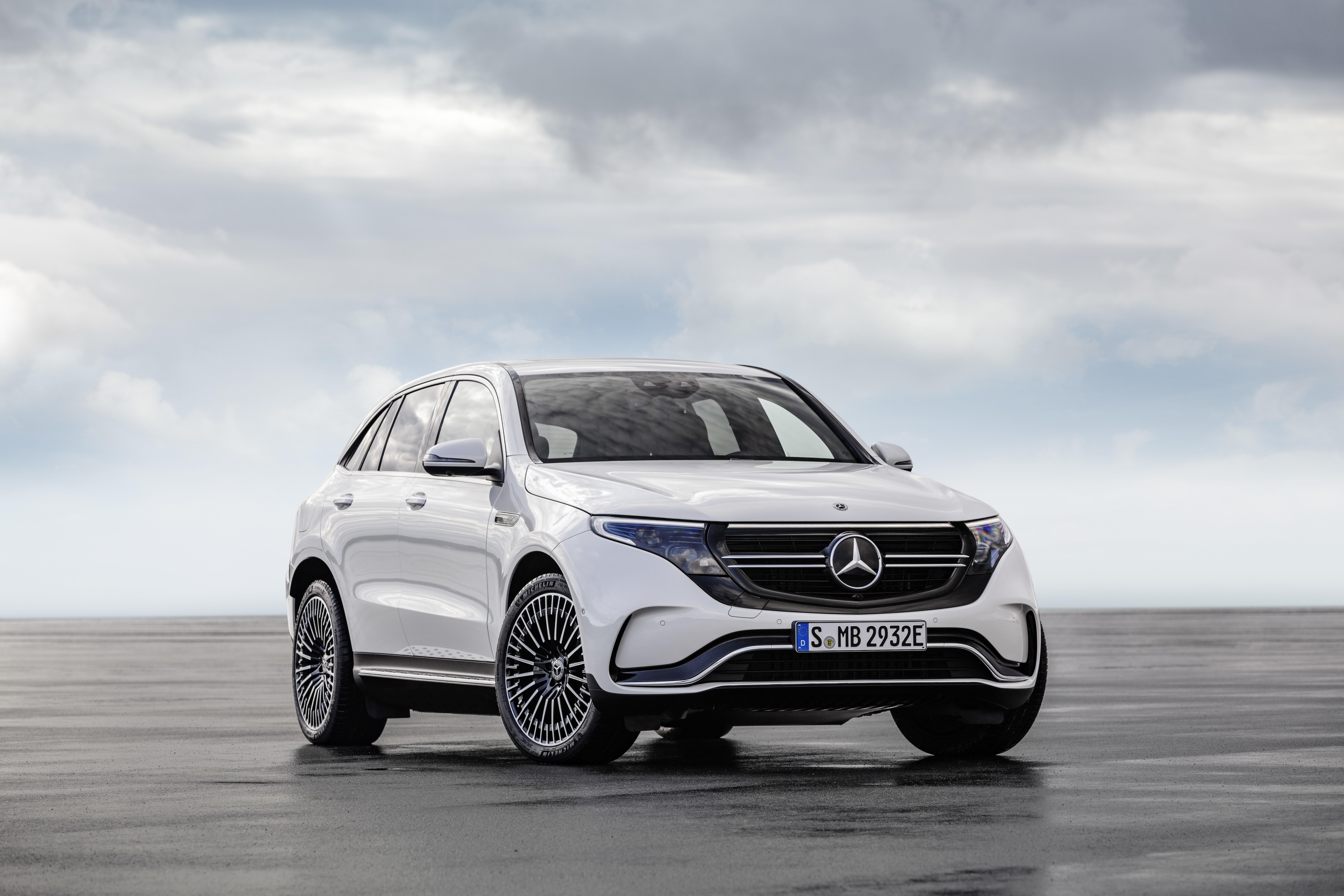 """Mercedes EQC assegura os mesmos padrões de segurança de um Mercedes """"normal"""""""