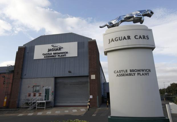 Fábrica da Jaguar Land Rover passa a semana de três dias devido ao Brexit