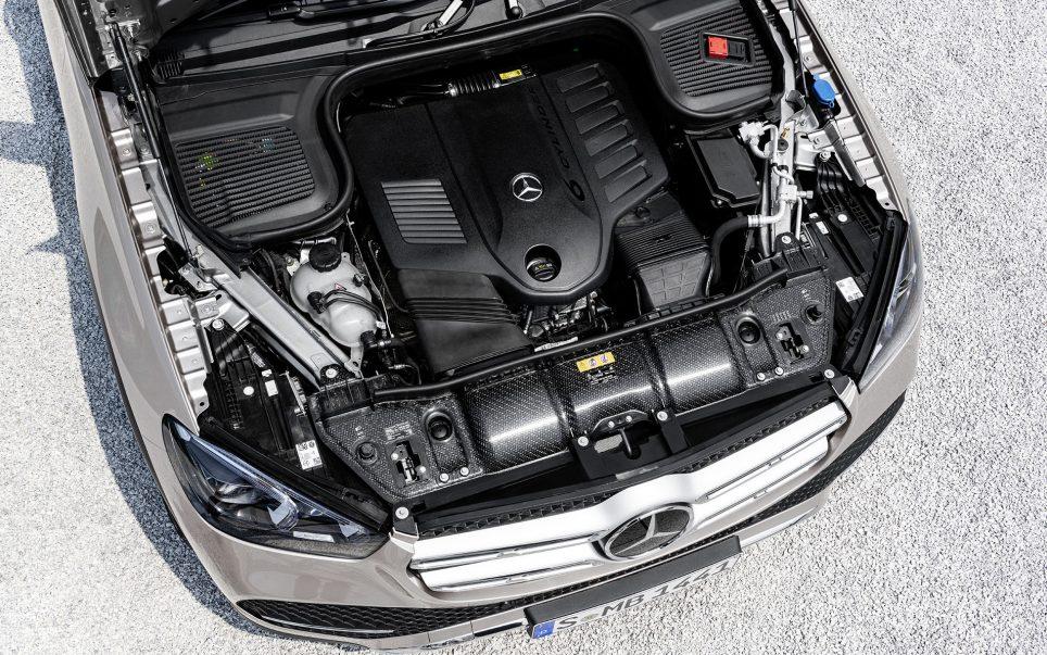 le-premier-moteur-propose-est-un-six-cylindres-en-ligne-essence-architecture-longtemps-abandonnee-par-mercedes