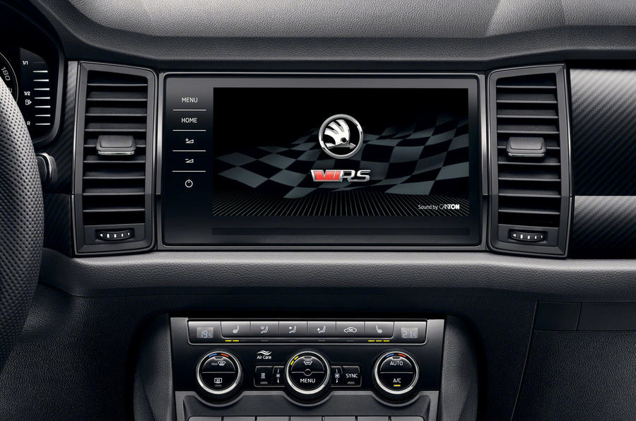 17-skoda-vrs-2019-reveal-infotainment-screen