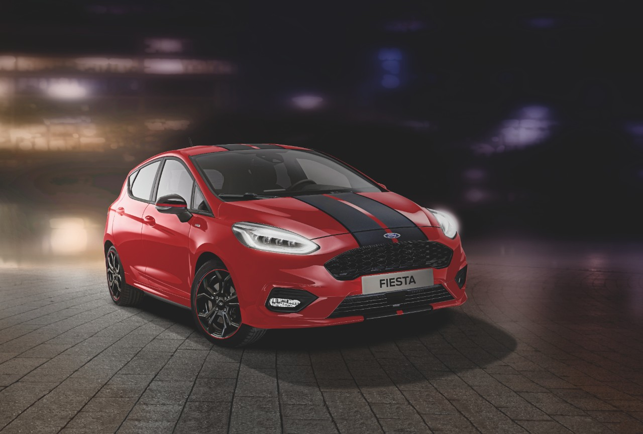"Ford apresenta Fiesta ST Line ""Red Edition"" e ""Black Edition"""