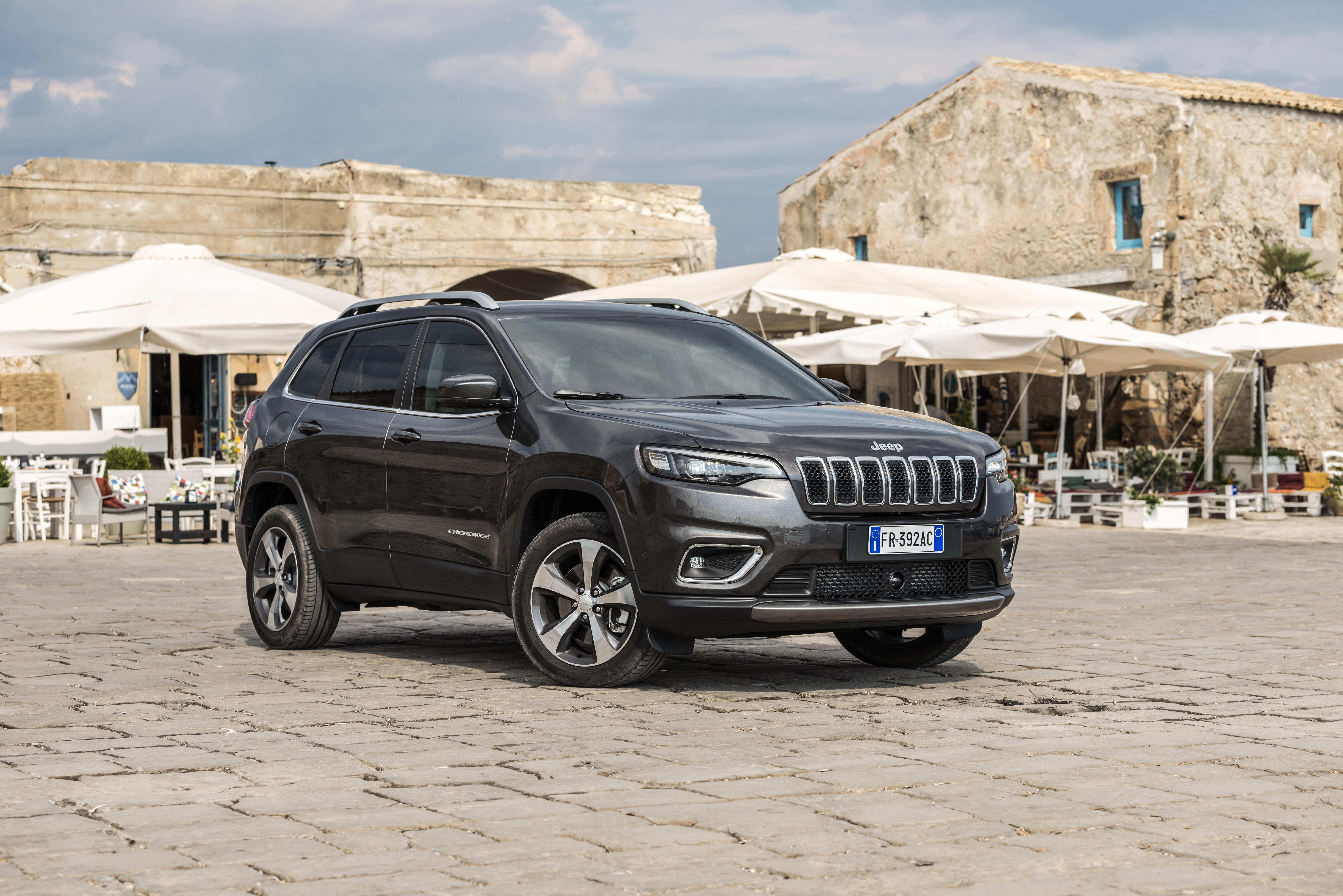 Jeep Cherokee: a necessária renovação chega a Portugal a partir de 52.000€