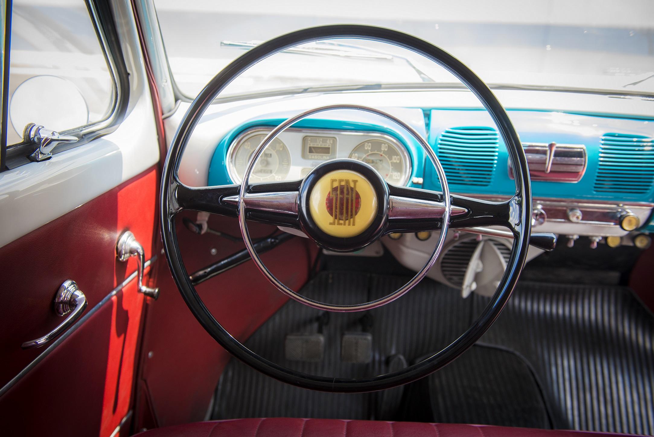 Seat recorda-nos a evolução do volante: de simples aro a central de comando